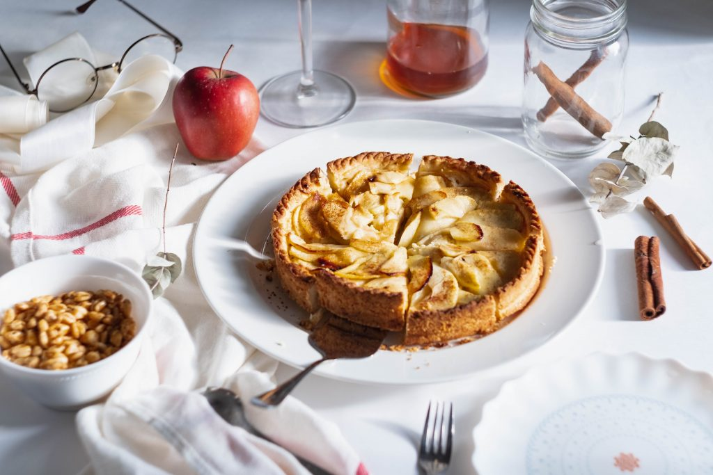 Apple pie with server